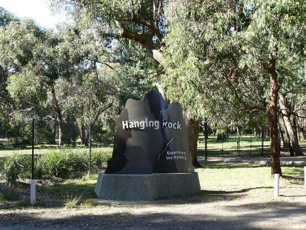 000_Hanging_rock