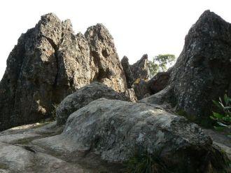 416_Hanging_rock