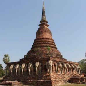 Sukhothai_chedi_chang