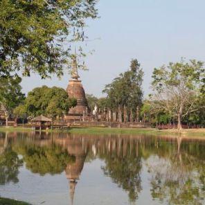 Sukhothai_Wat-Sa_Si_01